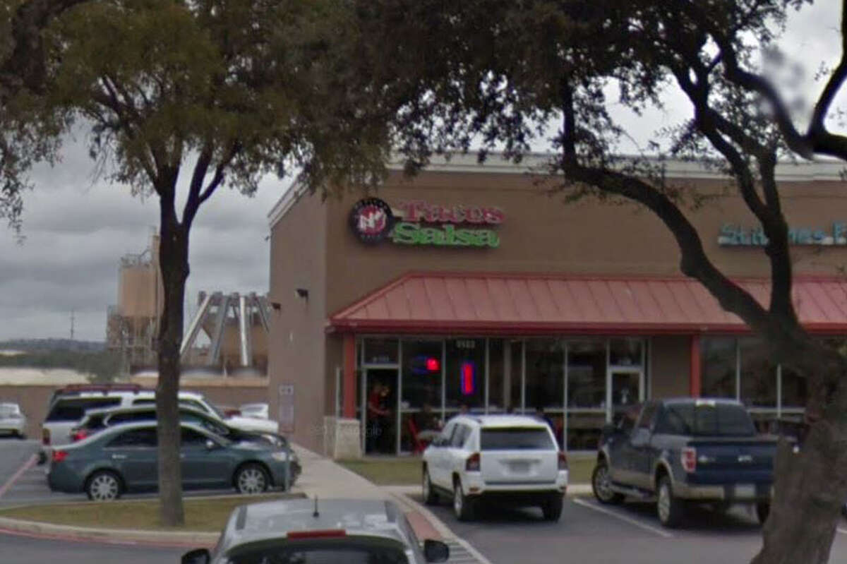 Tacos-N-Salsa: 5123 N. FM 1604 W., San Antonio, Texas 78257 Date: 12/01/2017 Score: 74 Highlights: Food not protected from cross contamination, employees had bare hands contact with ready-to-eat foods, sewage disposed through public sewer system, permit expired 10/17, employee drinks stored above food preparation areas, chips stored in takeout bags.