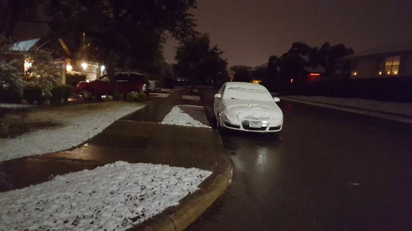 Helotes measured 1.5 inches of snow.