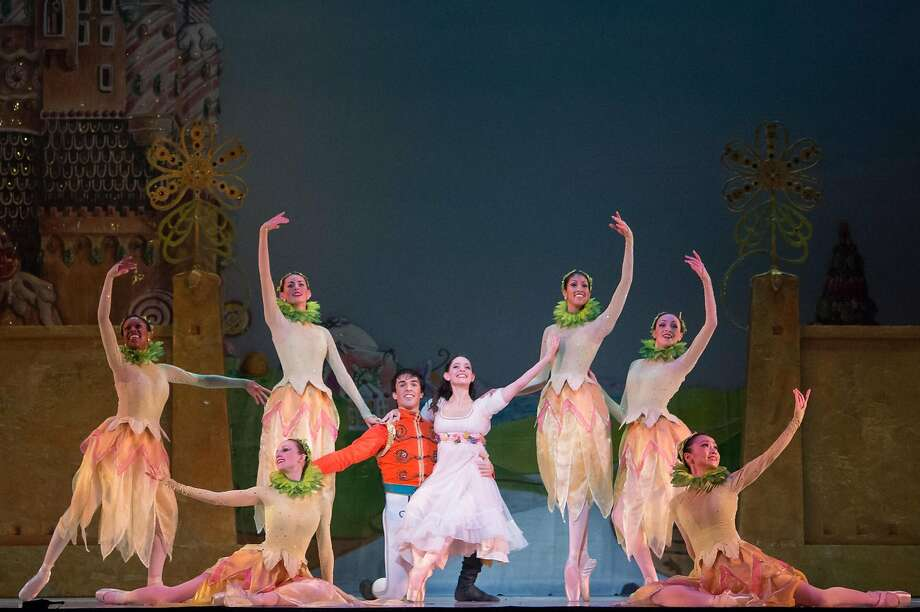 "Oakland Ballet's ""The Nutcracker"" features classic characters, sparkling costumes and Oakland Symphony Orchestra in the glamorous Paramount Theatre. Photo: David DeSilva Photo: David DeSilva"