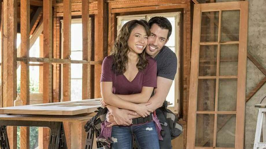 A peek inside 39 property brothers 39 star drew scott 39 s new for How tall are the property brothers