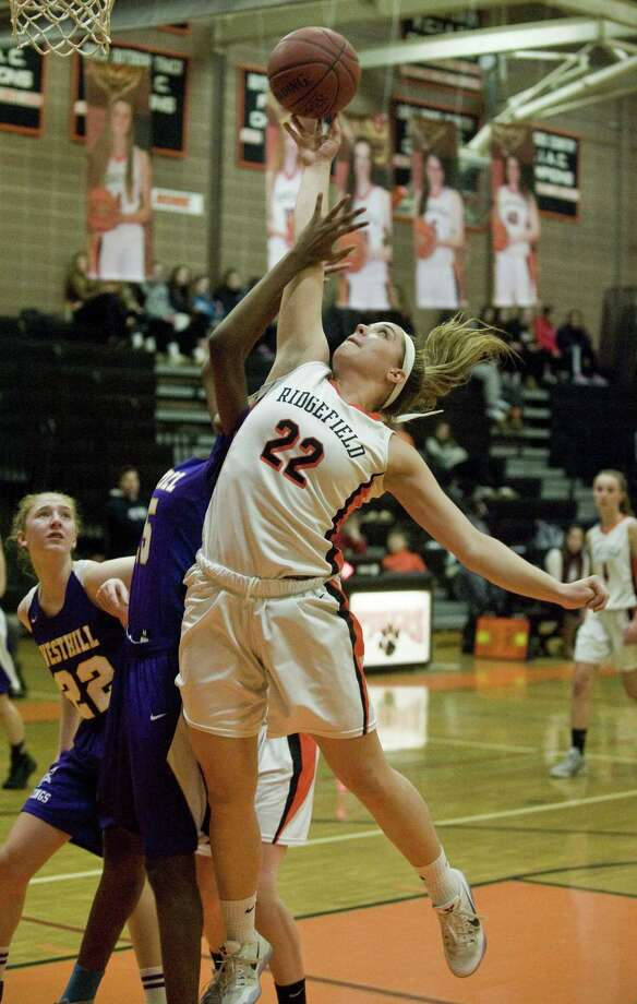 Ridgefield's Caroline Curnal is back for the Tigers after averaging 14 points and 12 rebounds last season. Photo: Scott Mullin / For Hearst Connecticut Media / The News-Times Freelance