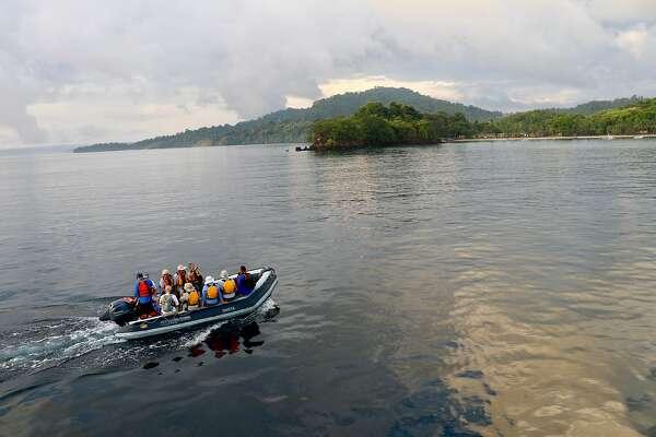 Size matters: Small-boat cruise offers close-up of Panama