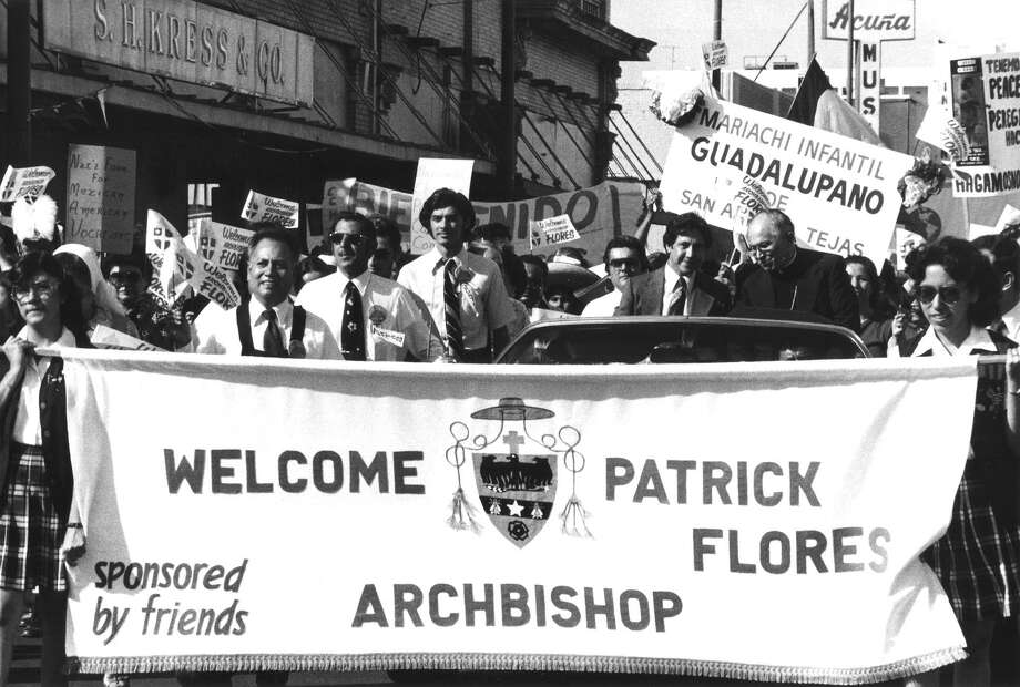 Many friends lobbied for Archbishop Flores' appointment to succeed the late Archbishop Francis J. Furey, who died in April of 1997. Flores came from El Paso and was escorted from the edge of the Archdioceses to San Fernando Cathedral. Photo: Courtesy UTSA Special Collections / SAN ANTONIO EXPRESS NEWS