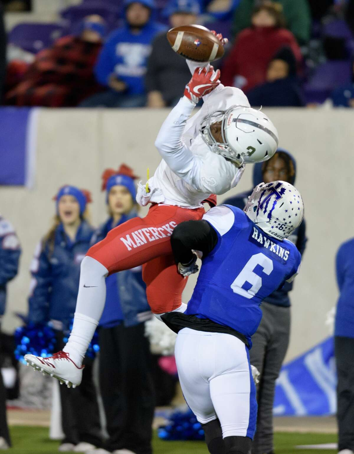 Terrence Norman Jr. (3) of the Manvel Mavericks attempts a reception in the second half against the Temple Wildcats in a high school football game on Friday, December 8, 2017 at Blackshear Field at Prairie View A&M University.