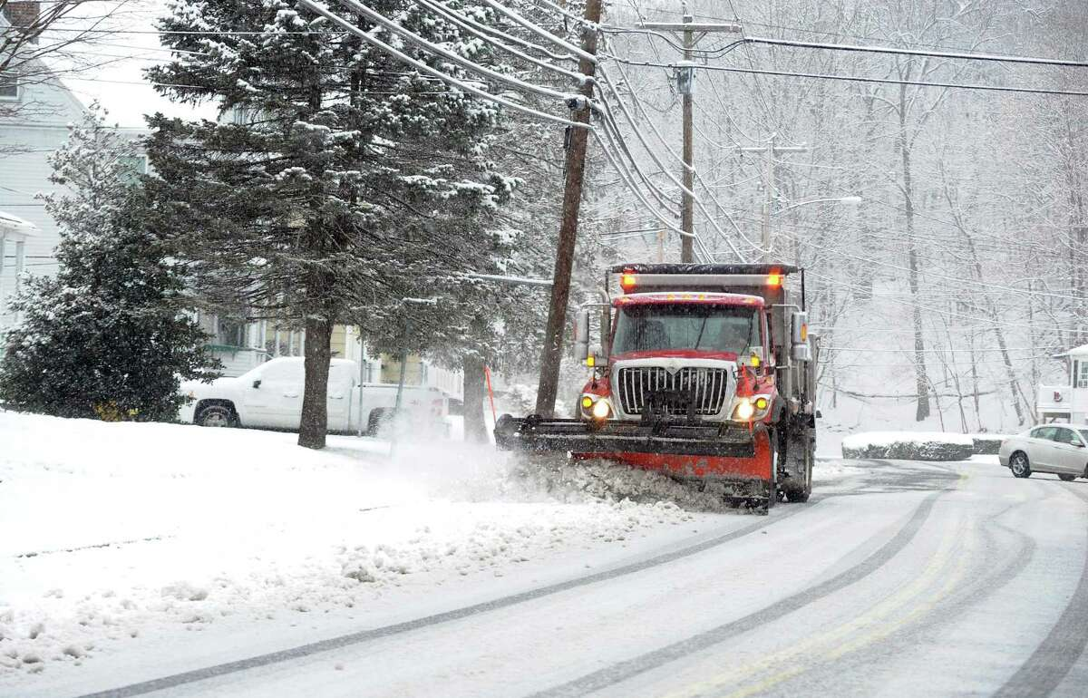 Dec. 9, 2017 The Dec. 9, 2017 snowfall dumped 4 to 7 inches of snow on southwestern Connecticut, with 4.5 inches reported in Bridgeport, 7 inches recorded in Shelton and 5.5 inches reported in Greenwich. Read more here.