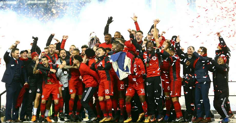TORONTO, ON - DECEMBER 09:  Michael Bradley #4 of Toronto FC lifts the Championship Trophy after winning the 2017 MLS Cup Final against the Seattle Sounders at BMO Field on December 9, 2017 in Toronto, Ontario, Canada.  (Photo by Vaughn Ridley/Getty Images) Photo: Vaughn Ridley/Getty Images