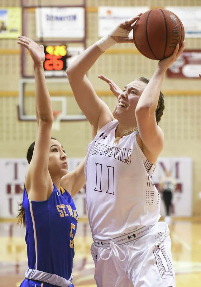 Julia Hanni and the Dustdevils have lost all 14 games against Division II opponents this season and have dropped 23 straight dating back to last year. Photo: Danny Zaragoza /Laredo Morning Times File / Laredo Morning Times