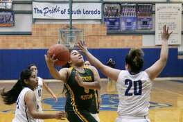 Alyssa Mata and Nixon improved to 2-0 in District 31-5A Saturday with a 51-30 win at Cigarroa while the Lady Toros dropped to 0-2 to begin their title defense.