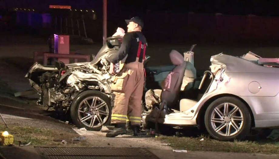 One person is dead after an overnight wreck at Houston and Washington. Photo: Metro Video