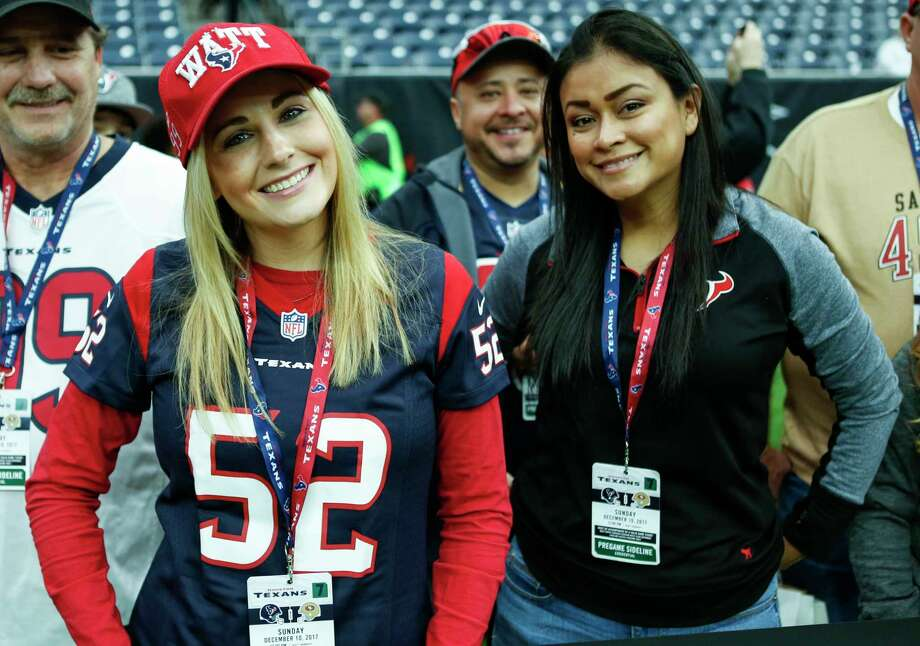 Houston Texans fans watch warm ups before an NFL football game against the San Francisco 49ers at NRG Stadium on Sunday, Dec. 10, 2017, in Houston. Photo: Brett Coomer, Houston Chronicle / © 2017 Houston Chronicle