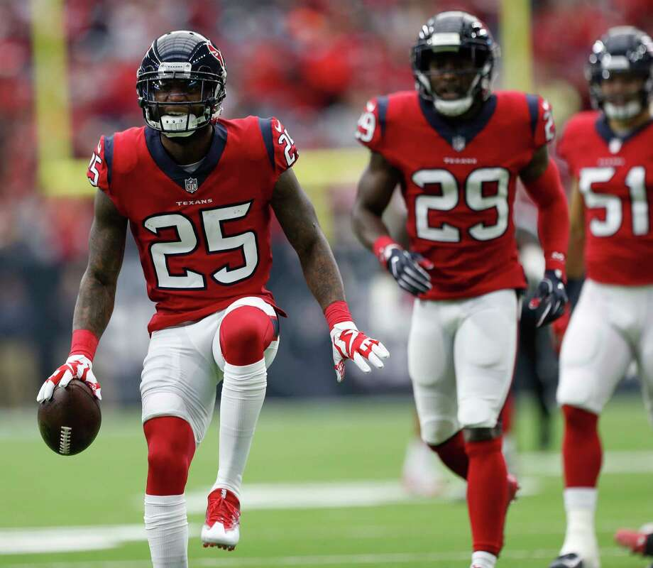 Texans cornerback Kareem Jackson could play more safety in the absence of Andre Hal. Photo: Karen Warren, Houston Chronicle / © 2017 Houston Chronicle