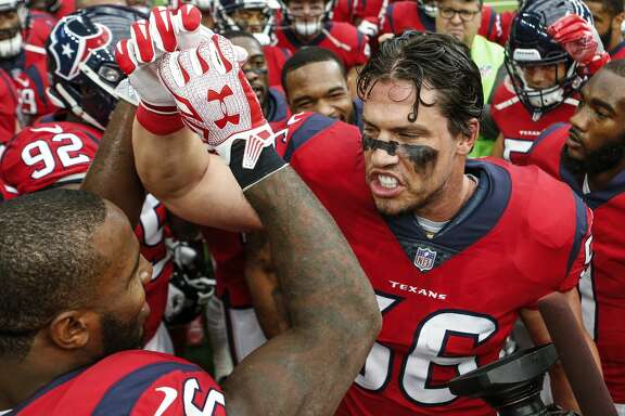 Houston Texans inside linebacker Brian Cushing (56) gathers his teammates together before an NFL football game against the San Francisco 49ers at NRG Stadium on Sunday, Dec. 10, 2017, in Houston. ( Brett Coomer / Houston Chronicle )