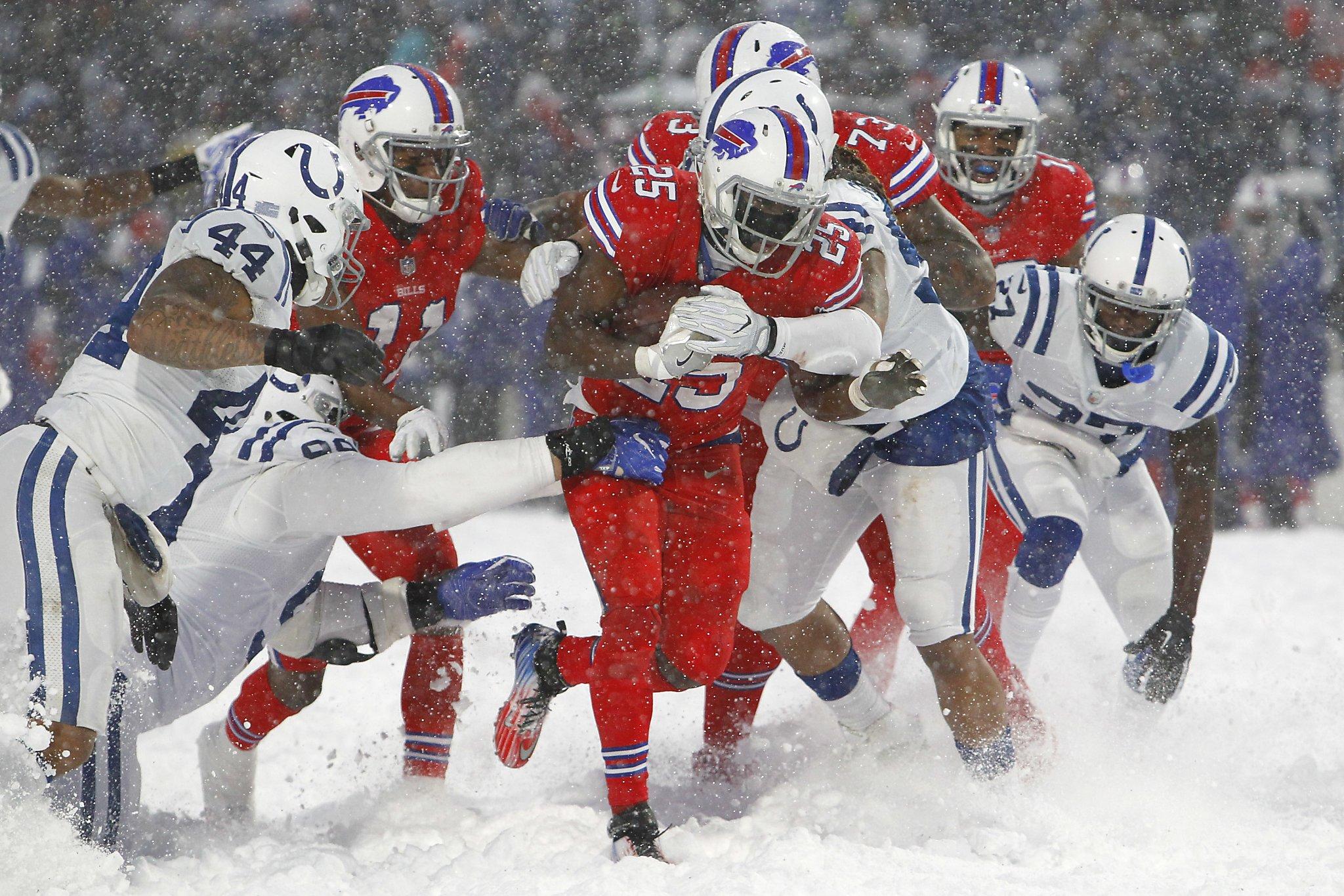 f8769344 McCoy slides through snow to lift Bills past Colts 13-7 - San ...