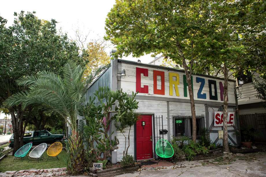 The exterior of Corazon Artes Populares is shown on Tuesday, Nov. 21, 2017, in Houston. After 20 years, Corazon will close its doors at the start of the new year after the owner of the century old building sold the property to build townhomes.  ( Brett Coomer / Houston Chronicle ) Photo: Brett Coomer, Staff / © 2017 Houston Chronicle