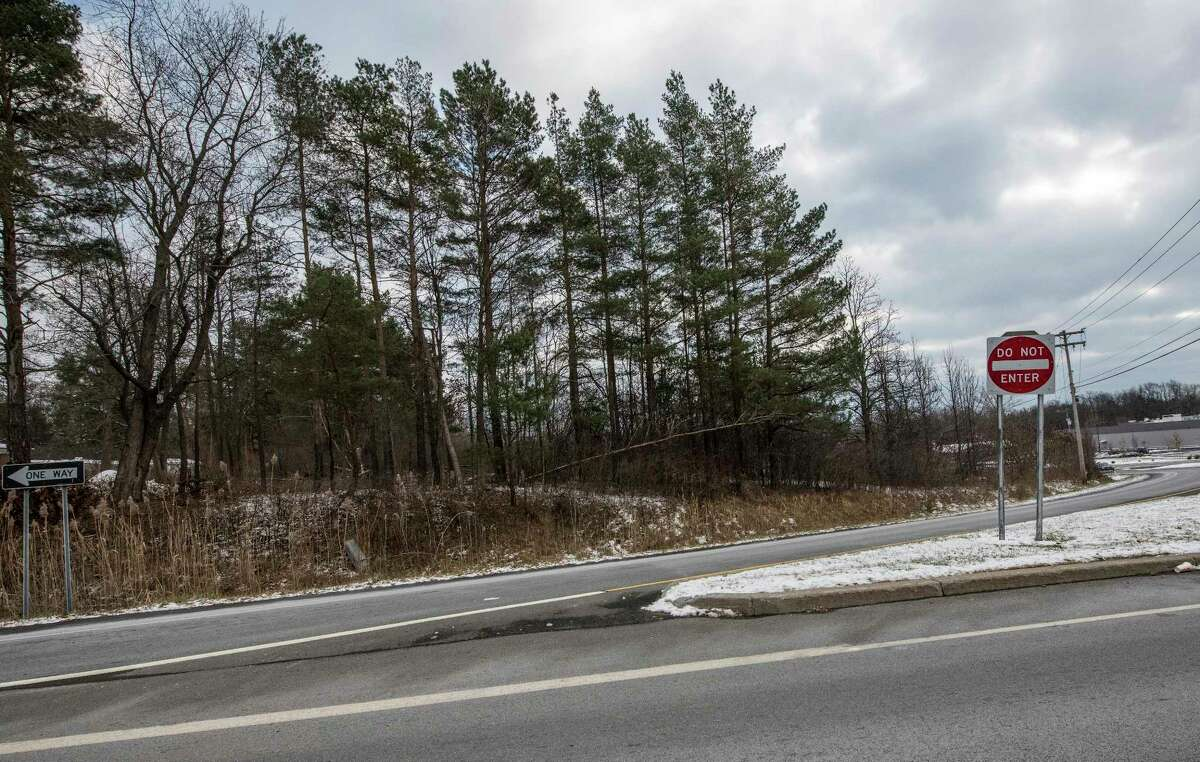 The northeast corner of the intersection of Routes 146 and 146A in Clifton Park, N.Y. (Skip Dickstein/ Times Union)