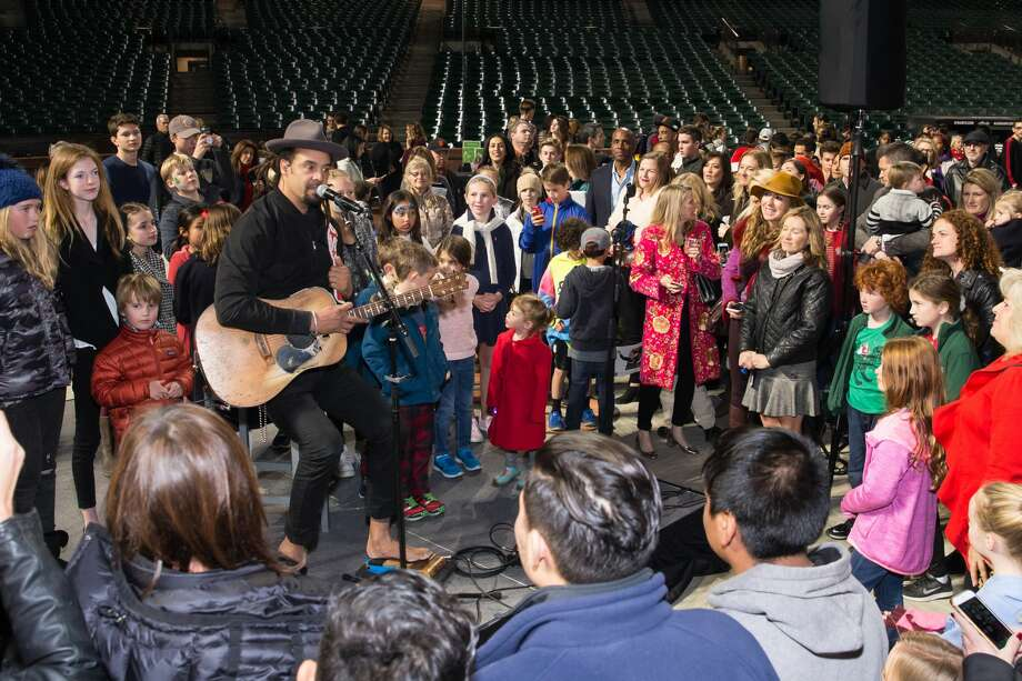 Atmosphere at Holiday Heroes 2017 on December 5th 2017 at AT&T Park in San Francisco, CA. Photo: Drew Altizer Photography/Photo - Devlin Shand For Drew Al