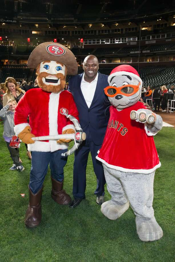 Adonal Foyle attends Holiday Heroes 2017 on December 5th 2017 at AT&T Park in San Francisco, CA. Photo: Drew Altizer Photography/Photo - Devlin Shand For Drew Al