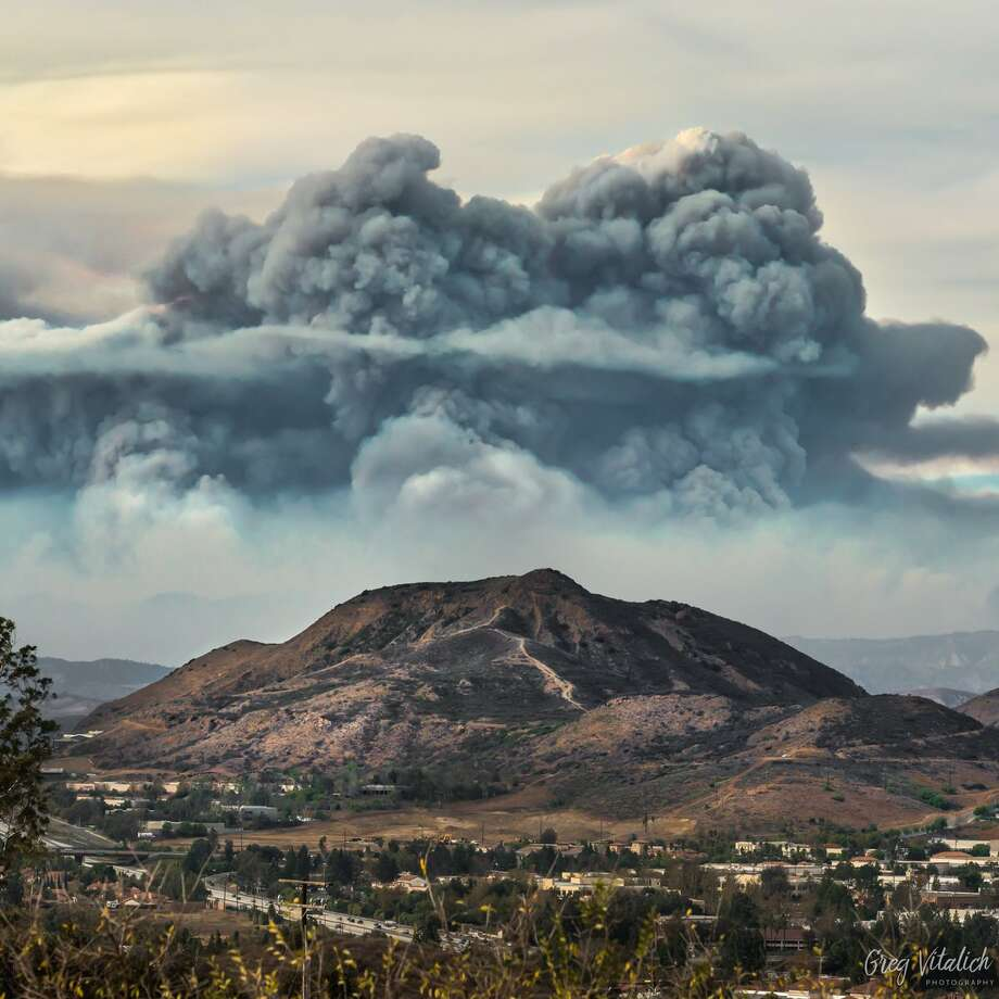 Professional photographer Greg Vitalich took this photo of the massive imposing smoke generated by the Thomas Fire from his back deck in Newbury Park on Dec. 11, 2017, at 11:45 a.m. Photo: Greg Vitalich