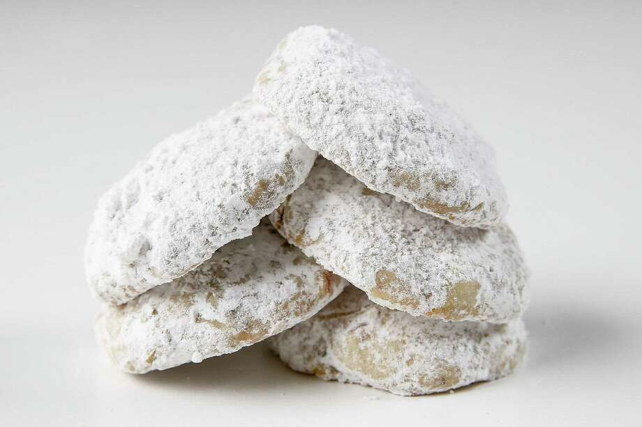 Mexican Wedding Cookies Photo: Michael Ciaglo, Houston Chronicle / Michael Ciaglo