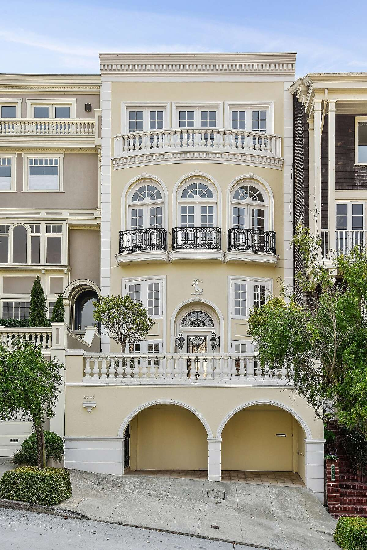 2747 Vallejo St. in Pacific Heights was built in the early 1990s.�