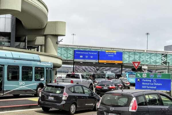 How to avoid traffic snarls on airport roadways during peak season