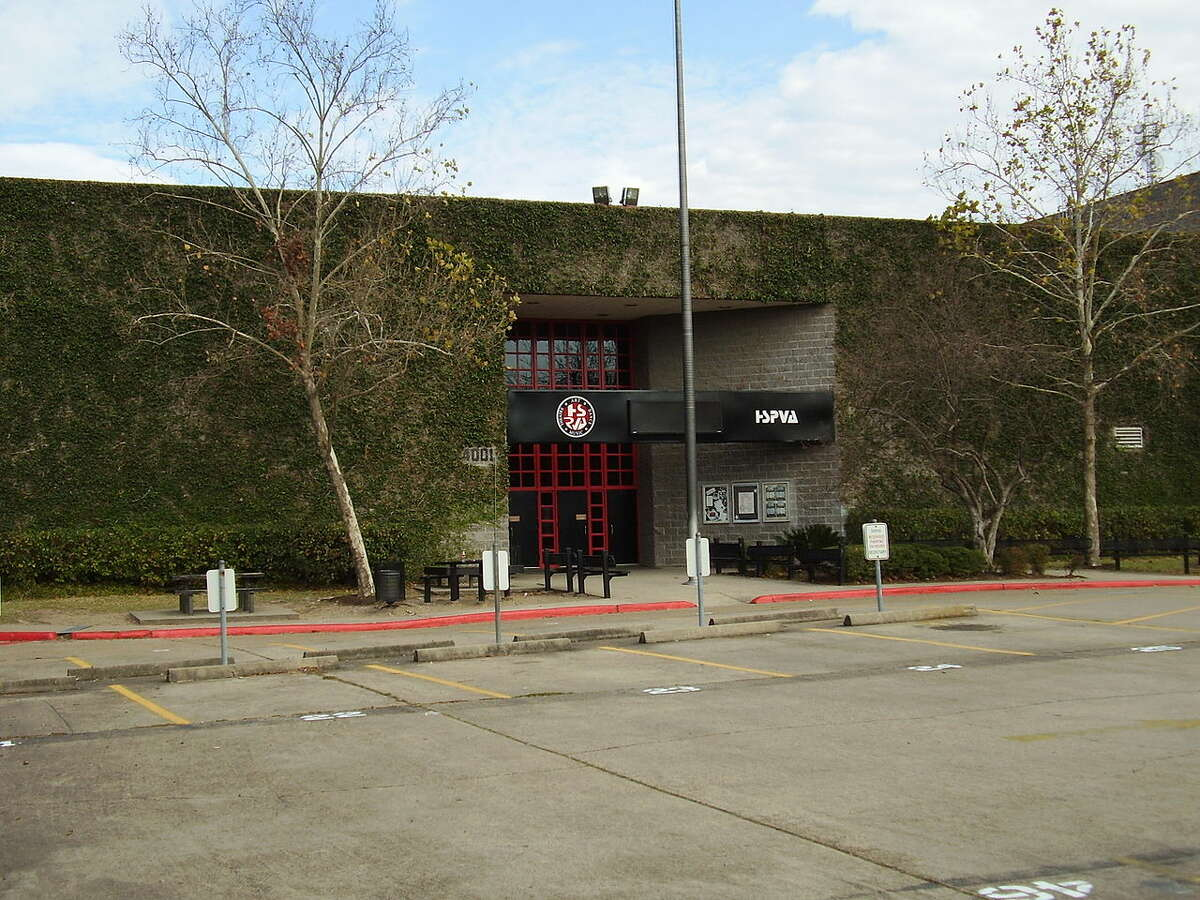 23. High School for the Performing and Visual Arts - Texas Rank: #36Houston, Texas Class Size: 169 Student/Teacher Ratio: 17/1 Harvard University: 1 Princeton University: 1 MIT: 0