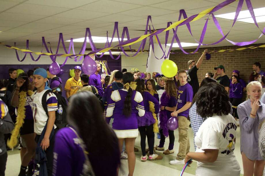 Westhill rallies students with lip-dub music video