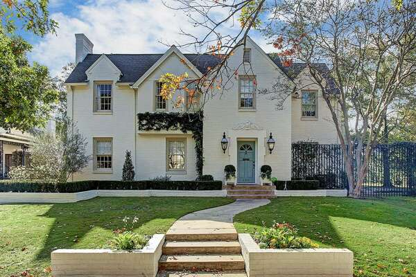 3215 Lock Lane     List price : $3.29 million   Size : 4,887 square feet