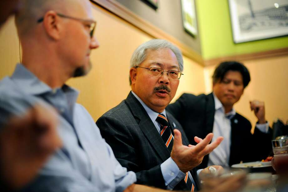 Mayor Ed Lee holds a 2015 meeting at Sam's Diner in San Francisco. Photo: Michael Short, Special To The Chronicle