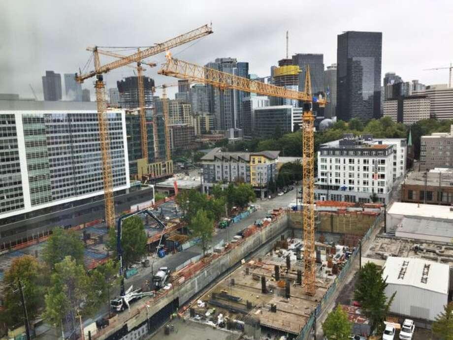 Operator union, including Seattle tower crane operators, vote to