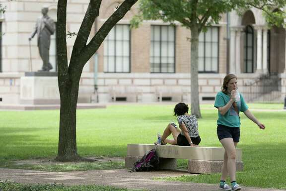 Rice students walk the campus on August 19, 2014 at Rice University in Houston, TX. Rice classes start Monday August 25, 2014. (Photo: Thomas B. Shea/For the Chronicle)