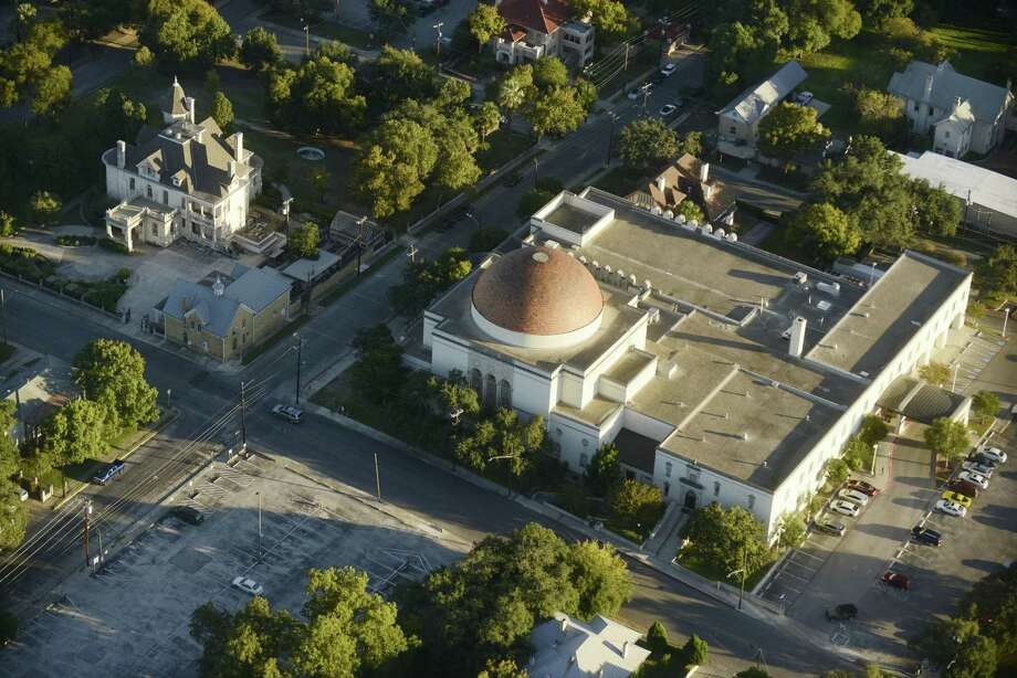 Temple Beth-El in San Antonio, seen from the air in 2017. Photo: Billy Calzada /