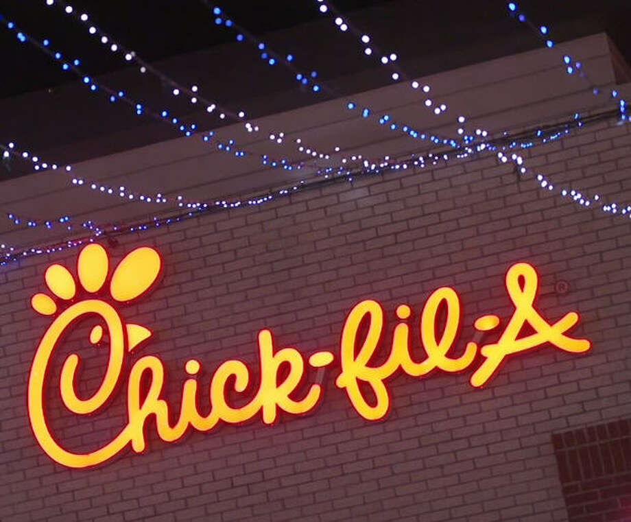 A Chick-fil-A in Tampa went all out for Christmas, decorating its store with lights to bring in the holiday cheer. Photo: Chick-fil-A, Polyphonic Image, Polyphonic Image