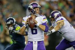 SEATTLE, WA - AUGUST 18:  Quarterback Taylor Heinicke #6 of the Minnesota Vikings looks downfield to pass against the Seattle Seahawks at CenturyLink Field on August 18, 2017 in Seattle, Washington.  (Photo by Otto Greule Jr/Getty Images)