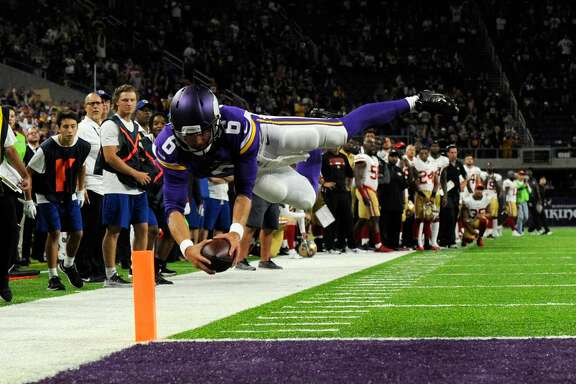 MINNEAPOLIS, MN - AUGUST 27: Taylor Heinicke #6 of the Minnesota Vikings dives to complete a two-point conversion against the San Francisco 49ers to win the preseason game on August 27, 2017 at U.S. Bank Stadium in Minneapolis, Minnesota. The Vikings defeated the 49ers 32-31. (Photo by Hannah Foslien/Getty Images)