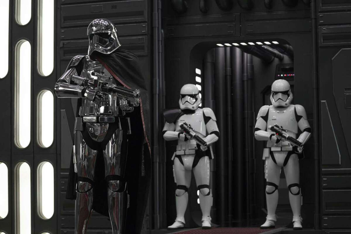 Star Wars: The Last Jedi..Captain Phasma (Gwendoline Christie) and Stormtroopers.