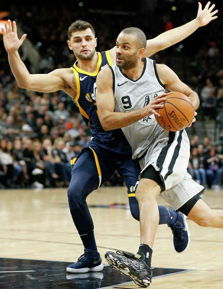 San Antonio Spurs' Tony Parker drives around Utah Jazz's Raul Neto during first half action Saturday Feb. 3, 2018 at the AT&T Center. Photo: Edward A. Ornelas, San Antonio Express-News / © 2018 San Antonio Express-News