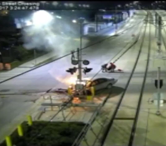 WATCH: A Houston METRO worker saves crash victims from a fiery vehicle