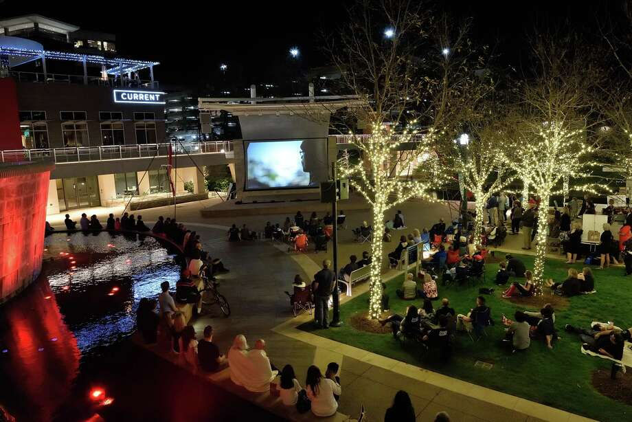 Thursday night at the Festival is held in Waterway Square where short films are shown. This event is open to all and free to the public.  The 2018 Thursday night event will be sponsored by The Woodlands Arts Council and the VIP Party co-sponsored by Grand Central Park.