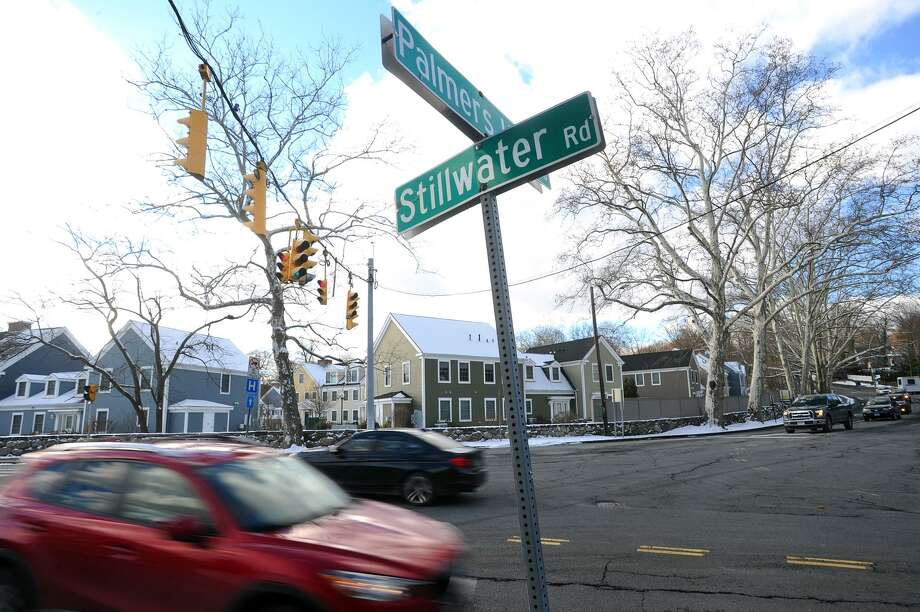 Cars drive through the congested intersection of Palmers Hill Road and Stillwater Avenue in Stamford, Conn. on Thursday, Dec. 14, 2017. Two new city reps are attempting to tackle the longstanding traffic problems at the intersection with a traffic study. Photo: Michael Cummo / Hearst Connecticut Media / Stamford Advocate