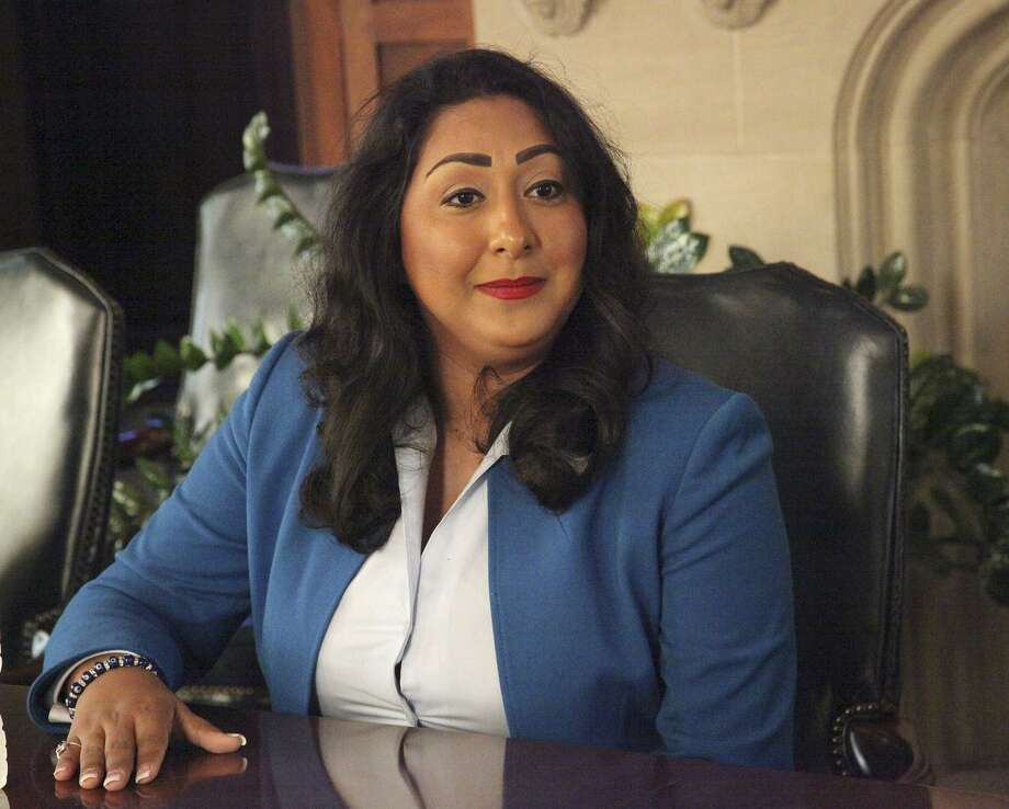 Diana Arevalo, then a Democratic candiate for the Texas House , talks with the E-N editorial board in 2016. Arevalo deserves a chance to continue her good work for District 116. Photo: Juanito M Garza /San Antonio Express-News / San Antonio Express-News