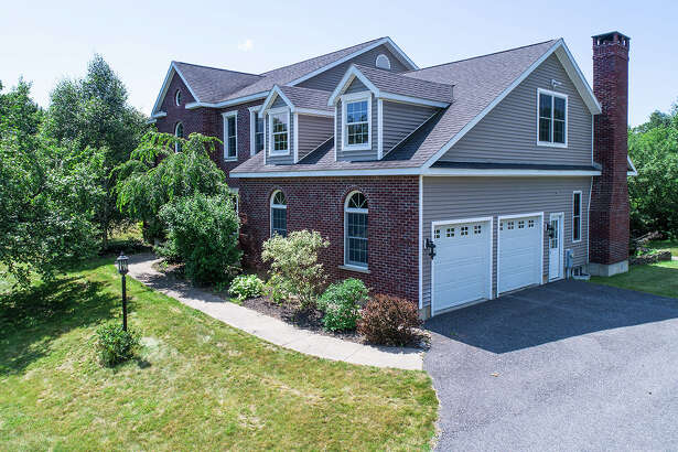 House of the Week: 1021 Peaceable St., Charlton | Realtor:   Christine Marchesiello of Keller Williams Capital District  | Discuss:  Talk about this house