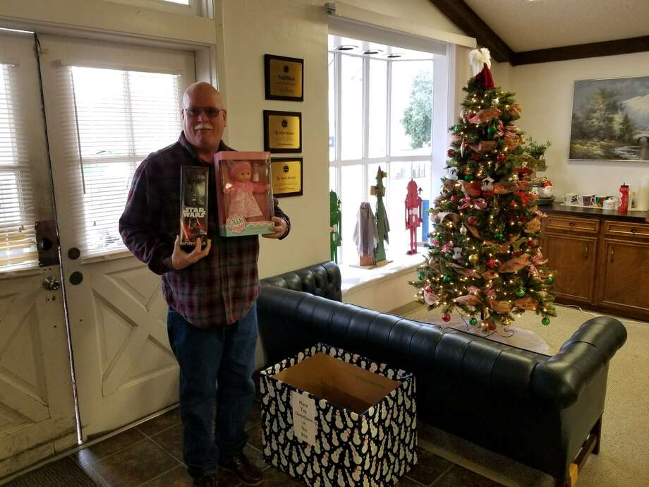 Richard Holley, a resident of Jasper, stopped by the JNB with an armful of toys! The JNB is proud to be assisting the JCSO's Blue Santa program. We will be accepting donations until Friday, December 22, 2017. Stop by and help make a child's Christmas bright!