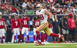 HOUSTON, TX - DECEMBER 10: San Francisco 49ers tight end Garrett Celek (88) runs downfield during the football game between the San Francisco 49ers and the Houston Texans on December 10, 2017 at NRG Stadium in Houston, Texas. (Photo by Daniel Dunn/Icon Sportswire via Getty Images)