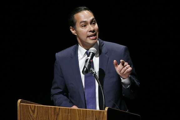 Julian Castro, former San Antonio Mayor and former Secretary of Housing and Urban Development, speaks at the Reimagining the UTSA Downtown Campus and Celebrating 20 Years event held Monday Nov. 13, 2017 at the campus.