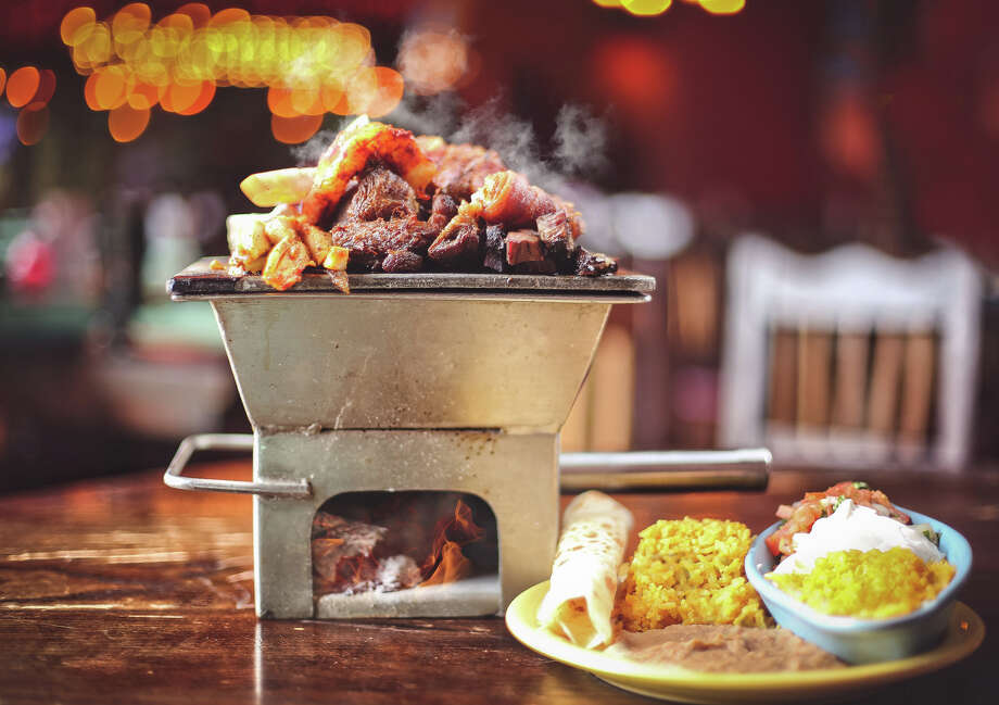 The Laurenzo family has opened a new El Tiempo Cantina at 20237 Gulf Freeway in Webster. It is the eighth El Tiempo in the Houston area. Shown: Mixed parrilla. Photo: El Tiempo Cantina