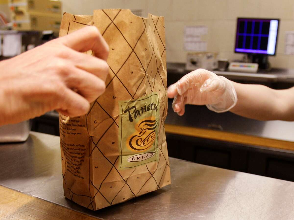 Looking for deals on dining? Here are some tips from Shannon Fromma's Shopportunist blog:  Choose counter service, fast casual eateries. If you really want a meal out, forgo fine dining and head to a self-service establishment sans waitstaff, like Panera, Chipotle and BurgerFi. Menu items at fast-casual eateries like these tend to be a bit cheaper because you, the diner, are doing a lot of the leg work - grabbing your table, filling your drink and picking up your food and place setting.