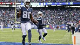 Dez Bryant celebrates his sixth touchdown of the season.