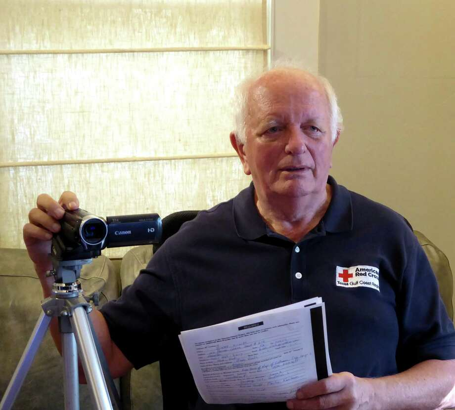 Arnold Van Ek is a Red Cross volunteer interviewer for the Veterans History Project.