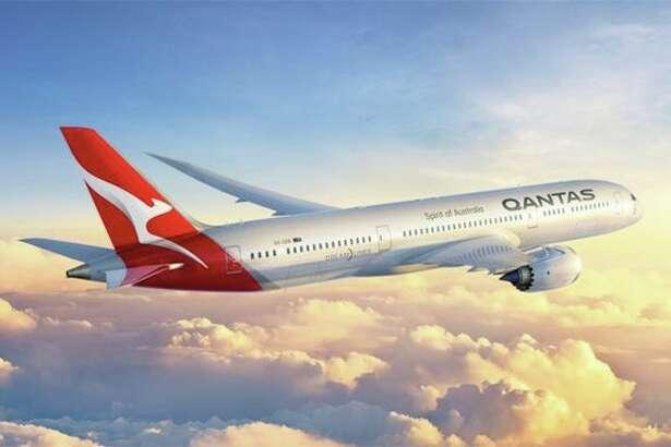 The Qantas kangaroo gets a modernized redesign on the tail of its new 787-9s. (Image: Qantas)
